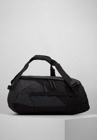 Peak Performance - VERTICAL DUFFLE  - Sportovní taška - black - 3