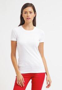 Petit Bateau - Basic T-shirt - ecume - 0