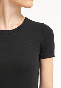 Petit Bateau - T-shirts - noir - 4