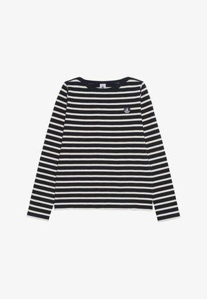 CLYM - Stickad tröja - white/dark blue