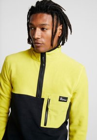 Penfield - HYNES - Fleece trui - citrus - 3
