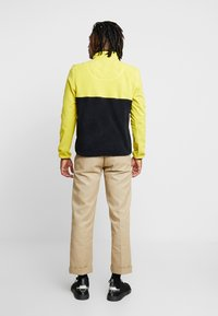 Penfield - HYNES - Fleece trui - citrus - 2