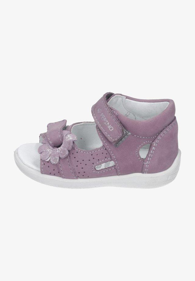 Obuwie do nauki chodzenia - purple