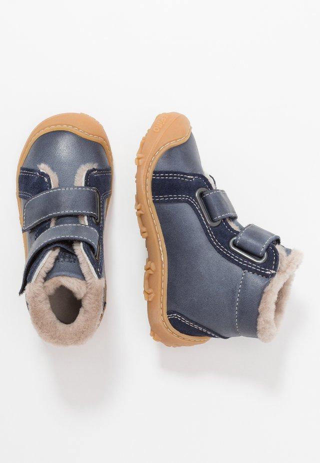 LIAS - Lära-gå-skor - see