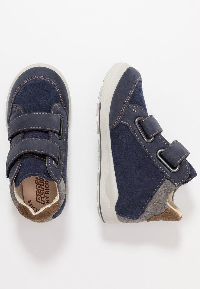 KIMO - Höga sneakers - nautic