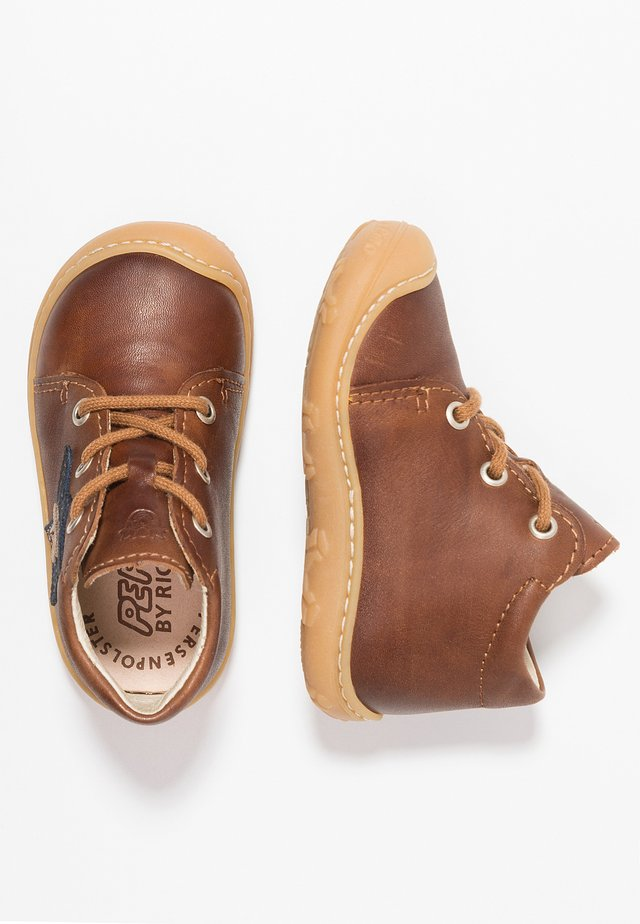 ROMY - Baby shoes - cognac
