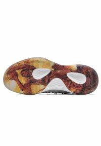 PEAK - MIT PROFILIERTER SOHLE - Basketball shoes - weiß - schwarz - 4