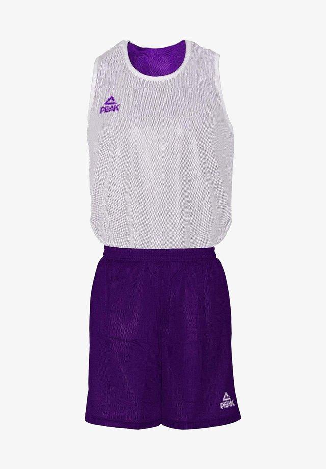 MIT ATMUNGSAKTIVER FUNKTION - Sports shorts - purple/white