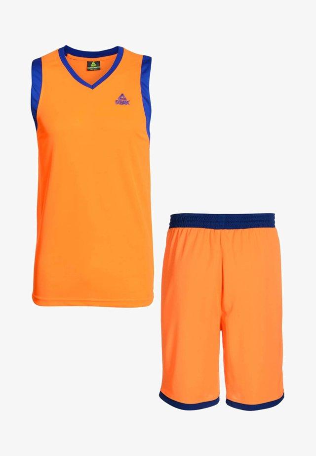 SET  - Sports shorts - orange-blau