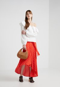PERSEVERANCE LONDON - DITSY ANGLAISE ASYMMETRIC BLOUSE - Blouse - offwhite - 1