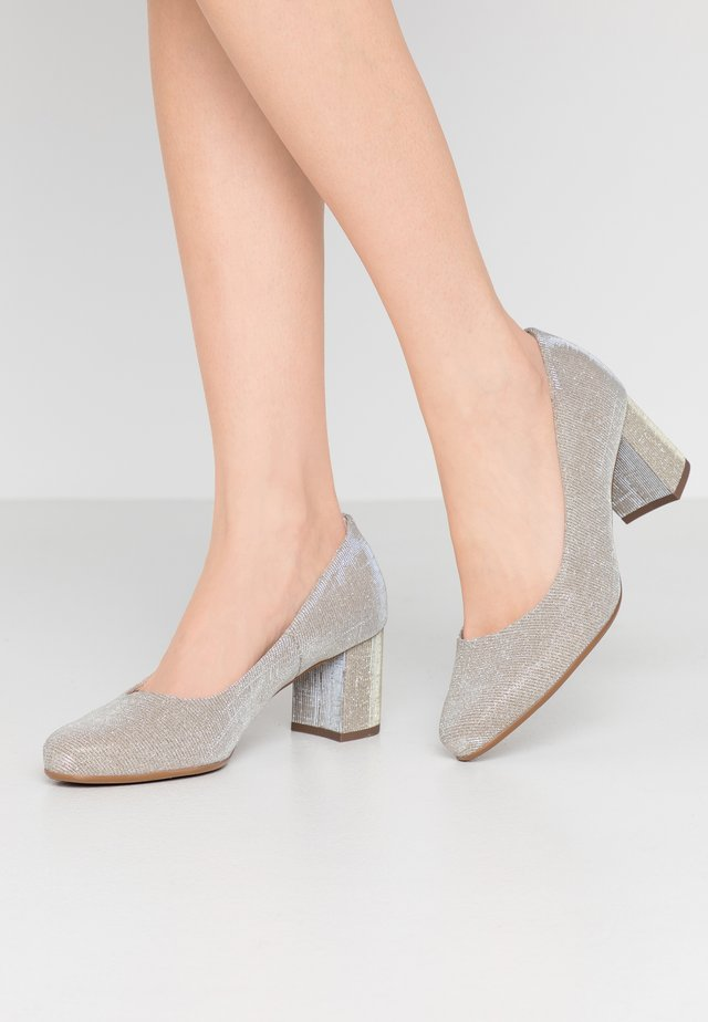 WIDE FIT WANJA - Classic heels - sand shimmer