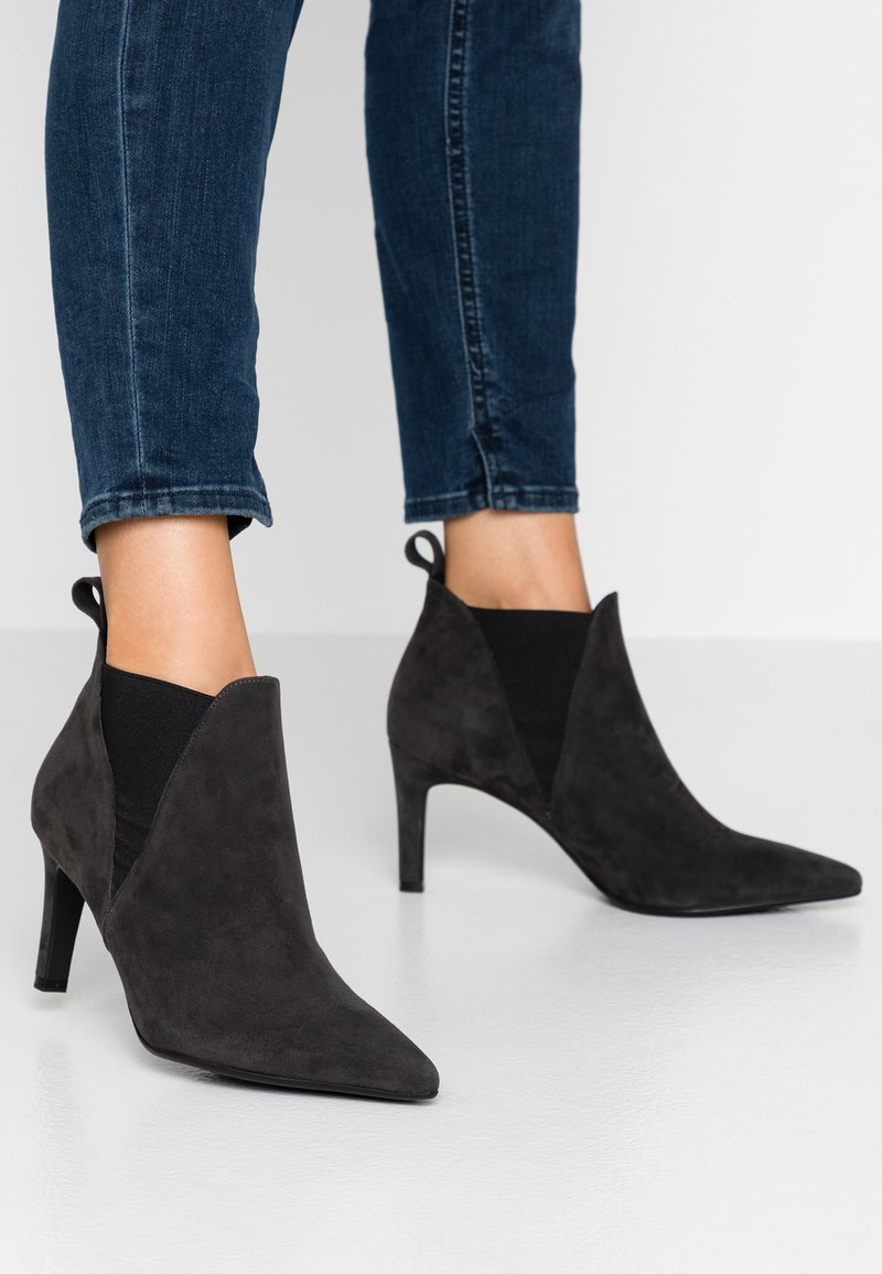 Peter Kaiser Wide Fit - WIDE FIT AIMEE - Ankle Boot - carbon