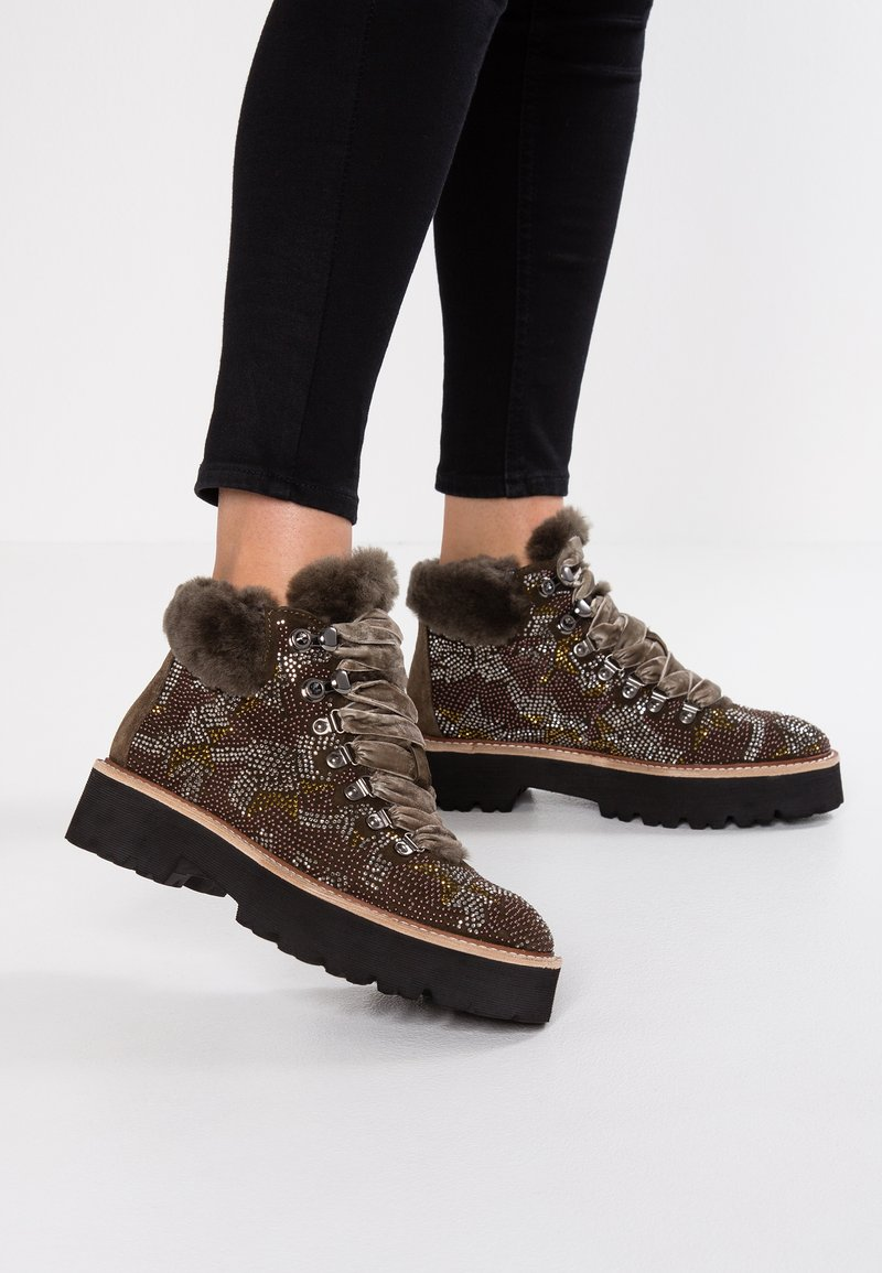 Pepen Sole - Platform ankle boots - khaki