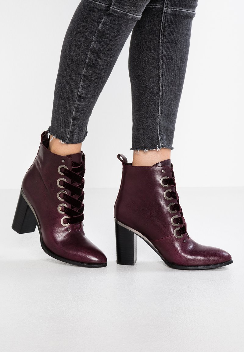 Pepen Sole - SPLENDORE - High heeled ankle boots - purple