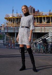 PEP - DRESS TIA - Freizeitkleid - multi-coloured - 5