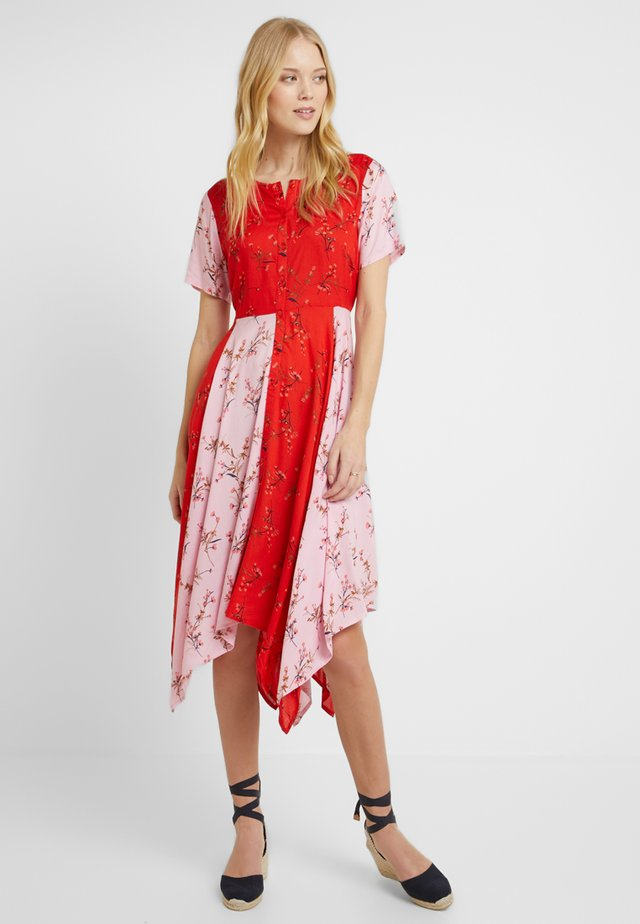 Shirt dress - pop red