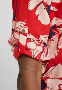 PEP - MADDY FLOWER - Blouse - pop red - 5