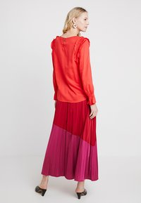 PEP - MILLEBEE BLOUSE - Blouse - poppy red - 2