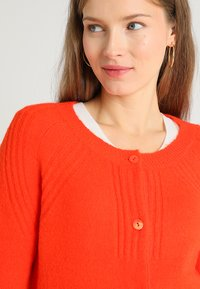 PEP - CARDIGAN TAMARA - Cardigan - orange - 3