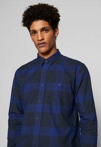 Peak Performance Urban - STEVE  - Camisa - pattern check - 4