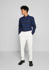 Peak Performance Urban - STEVE  - Camisa - pattern check - 1