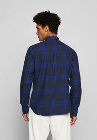 Peak Performance Urban - STEVE  - Camisa - pattern check - 2