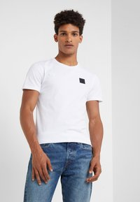 Peak Performance Urban - URBAN TEE - T-paita - white - 0