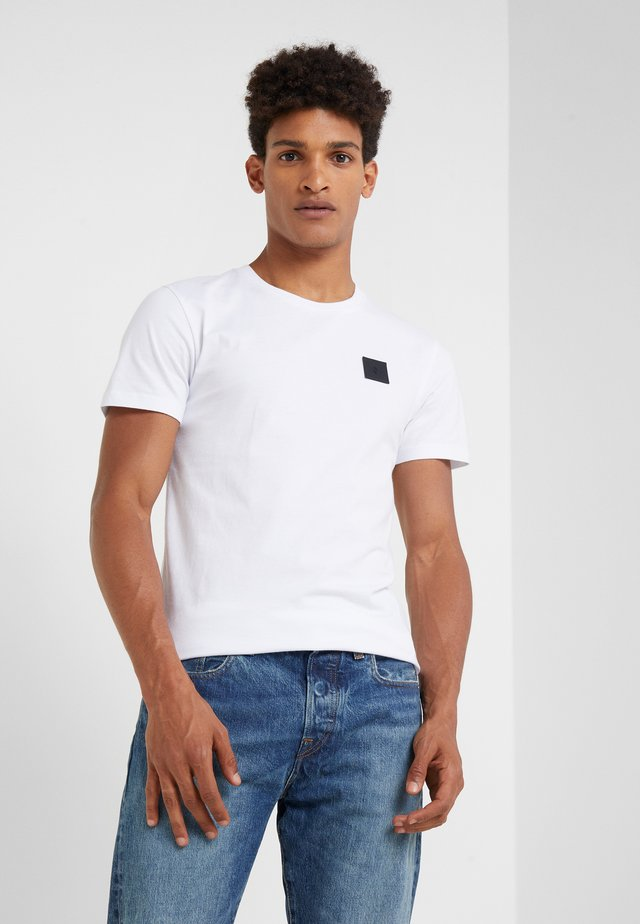 URBAN TEE - T-shirt - bas - white