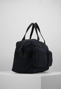 Peak Performance Urban - DUFFLE - Taška na víkend - black - 3