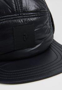 Peak Performance Urban - VERNIS CAP - Čepice - black - 7