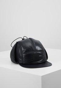 Peak Performance Urban - VERNIS CAP - Čepice - black - 0