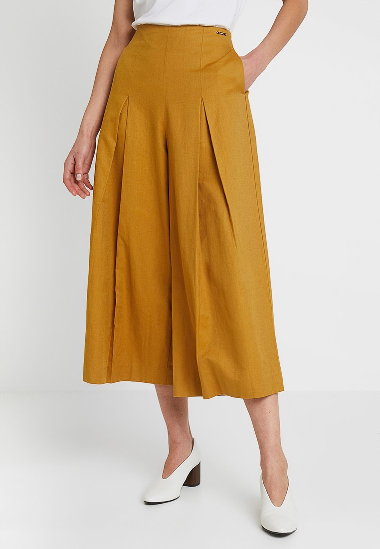 Long Culotte   Trousers by Pedro Del Hierro