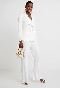 Pedro del Hierro - FLOWINGTROUSER - Trousers - white - 1