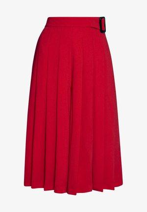PLEATED BERMUDA SKORT - A-line skirt - red