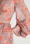 Pedro del Hierro - PRINTED FLOWING DRESS - Ballkleid - reds