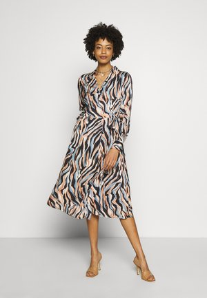 PRINTED DRESS WITH BELT - Day dress - blue
