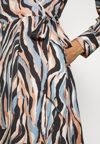 Pedro del Hierro - PRINTED DRESS WITH BELT - Day dress - blue - 4