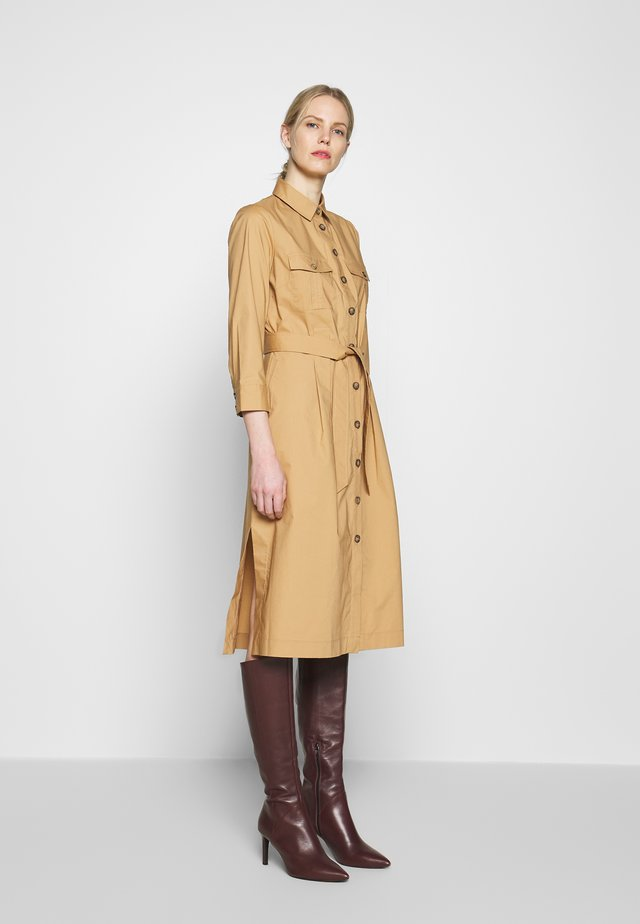 POPLIN DRESS WITH POCKETS - Korte jurk - light khaki