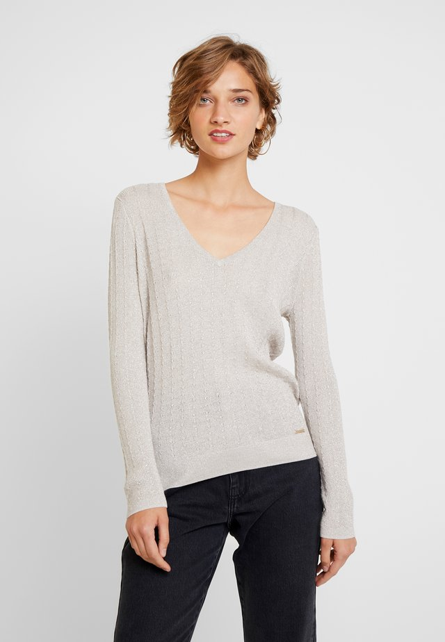 V NECK - Strickpullover - yellows