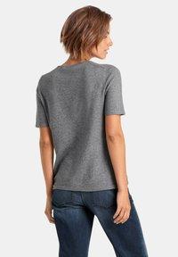 PETER HAHN - T-shirt basic - grey - 2