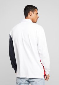 Perry Ellis America - COLOR BLOCK RUGBY - Polo - bright white - 2