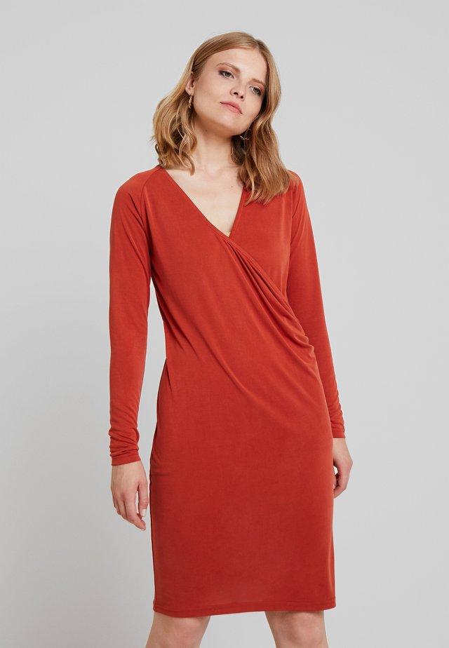 PRISME DRESS - Jersey dress - burnt bric