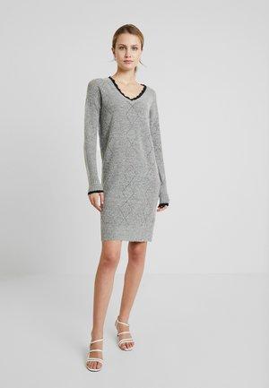LUSANNE DRESS - Strikket kjole - grey mel