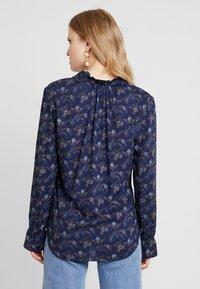 PEPPERCORN - FLOWER PRINT - Skjorte - dark blue - 2