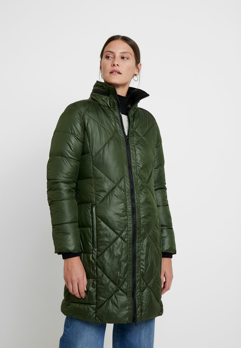 PEPPERCORN - HARPER LONG - Abrigo - uniform green