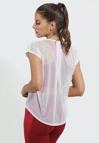 PERFF STUDIO - Print T-shirt - white - 4