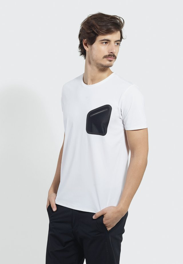 Time Off - Print T-shirt - white