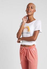 PrAna - CHEZ  - Print T-shirt - white - 0