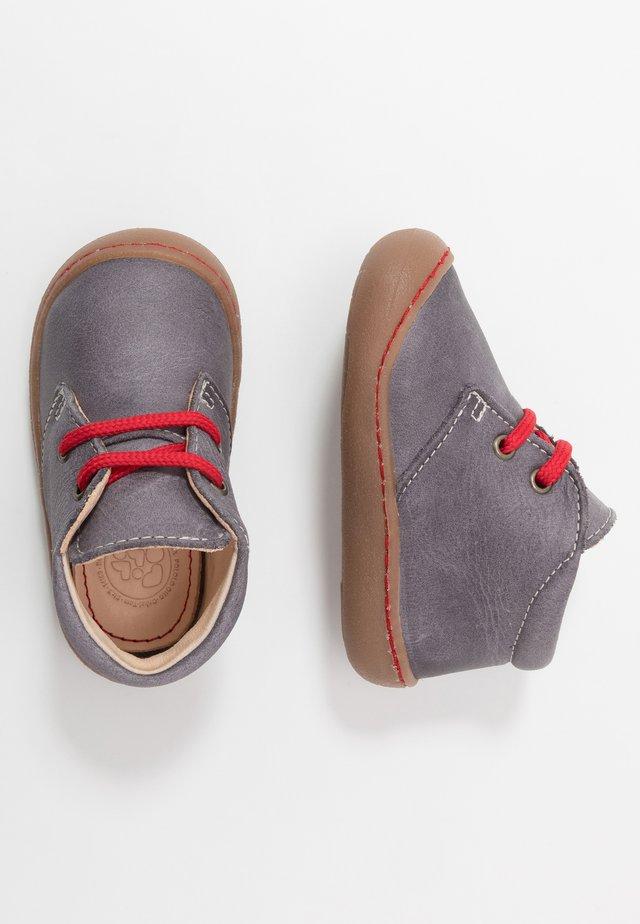 JUAN - Lær-at-gå-sko - grau