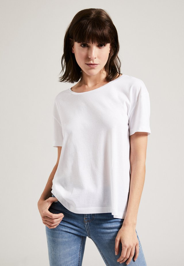THE ROUND NECK BOXY - T-shirt basic - white